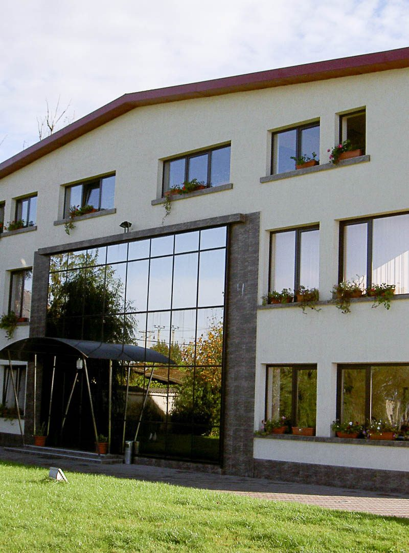 2002-2004Sediu-Societatea-Dunca-expeditii-Timisoara-str.-Ovidiu-Balea-3-of-20